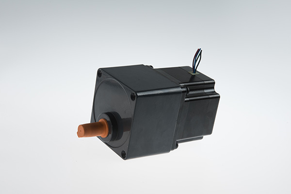 NEMA 34 Stepping Motor With Spur Gear Box(68mm) Featured Image
